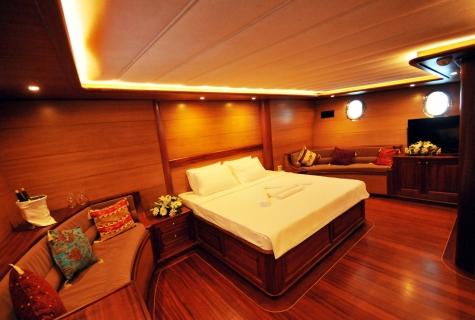 Kayhan 4 cabin