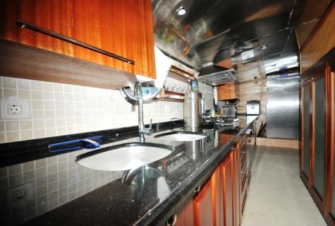 Kayhan 4 kitchen