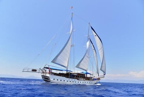 Kayhan 5 sailing 3
