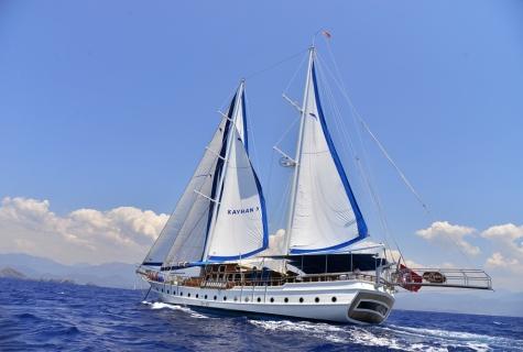 Kayhan 5 sailing 4