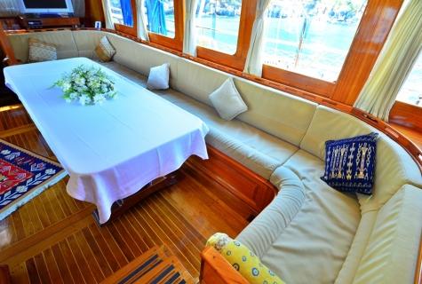 Kayhan 5 salon table