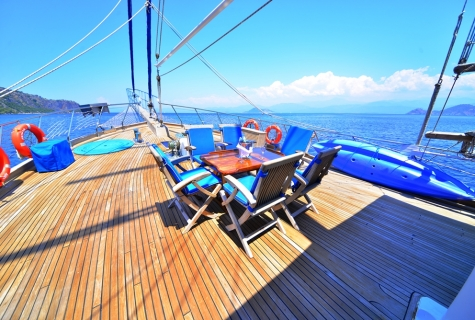 Kayhan 5 sun deck