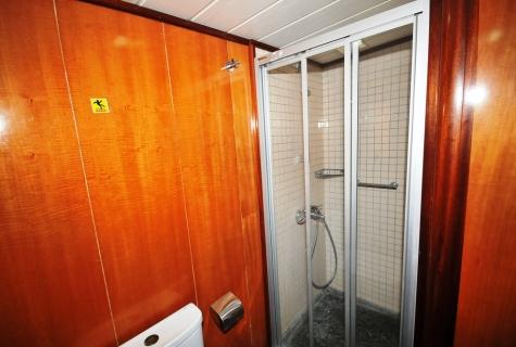 Kayhan 8 shower