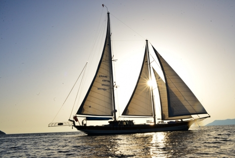 Kayhan Kaptan sailing 3