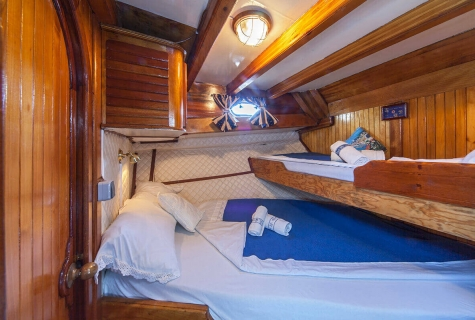 Double Cabin with Bunk Bed