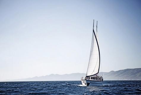 Loupan Sailing