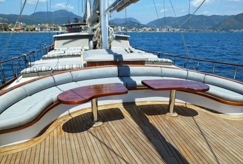 Mehmet Bugra Sun deck