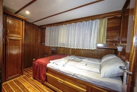 Miriam Sophie cabin 1