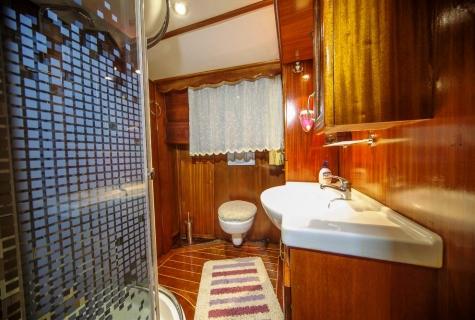 Miriam Sophie toilets