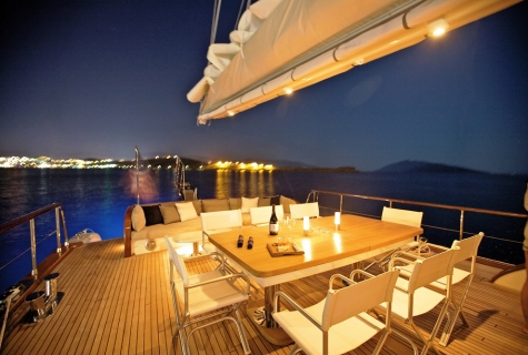 Romantic deck