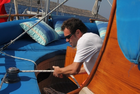 Sailing from salon