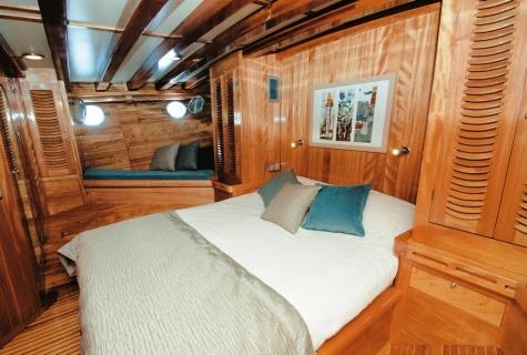 Myra cabin