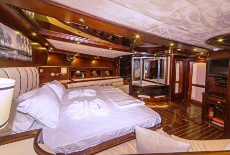 Perla Del Mar 2 MASTER cabin