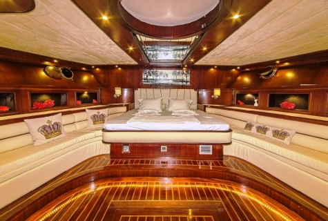Perla Del Mar 2 cabin sofas bed