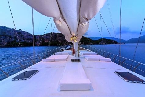Perla Del Mar 2 deck
