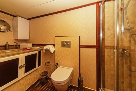 Perla Del Mar 2 toilet