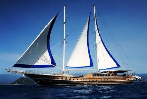 Prenses Lila under sails