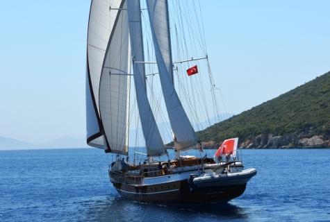 Aft dinghy