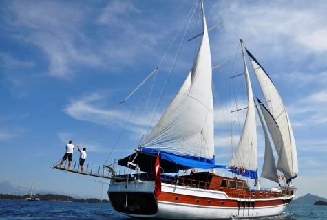 Gulet Salmakis is sailing