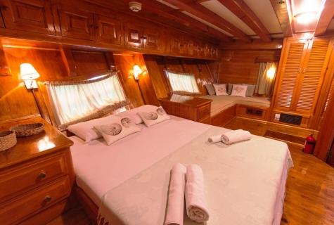 Salmakis Master Cabin