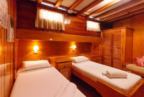 Salmakis Twin Cabin