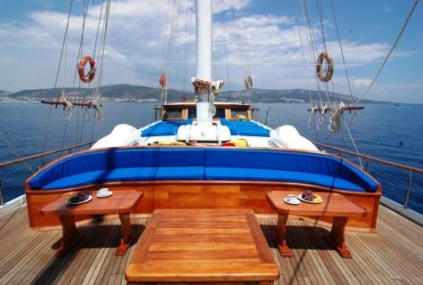 Salmakis deck