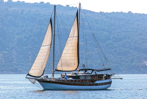 Gulet San with Sails