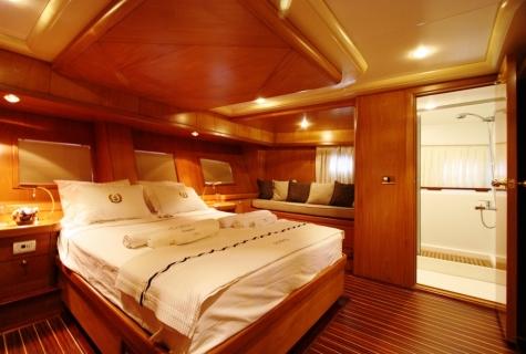 SCHATZ - Aft Master Cabin (2)