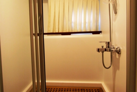 SCHATZ - Aft Master Cabin Shower