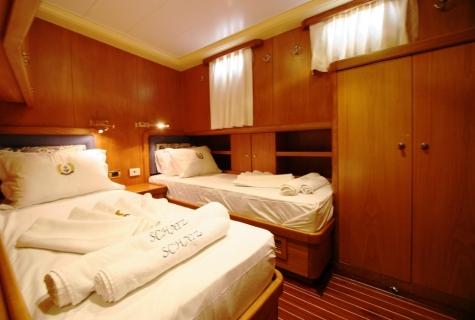 SCHATZ - Twin Cabin (2)