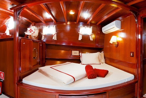 Double Cabin on Sedna