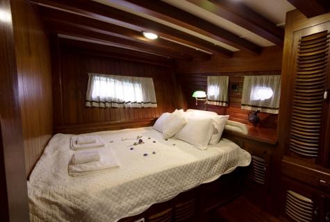Gulet Serenad double cabin (2)