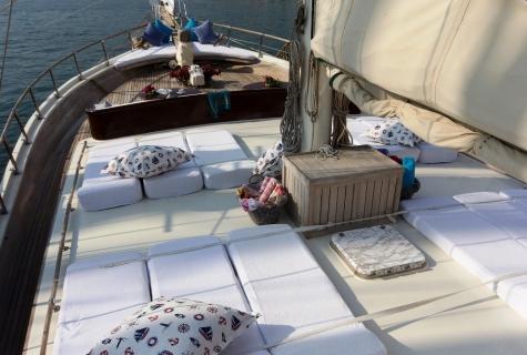 Gulet Serenad sun deck (3)