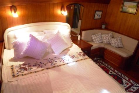 Serenad cabin bed