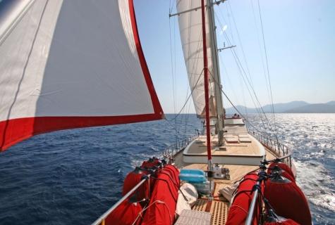 Sailing deck