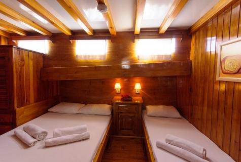 Sunworld 6 Twin Cabin on Sunworld 6