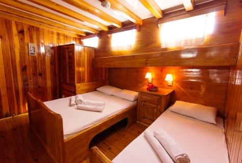 Sunworld 6 Twin Cabin