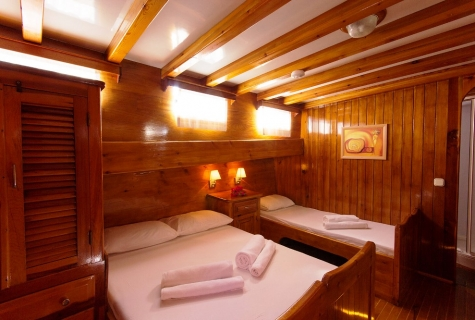 Sunworld 6 Triple cabin example