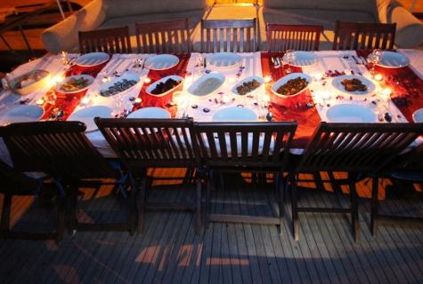Tumer 1 romantic table