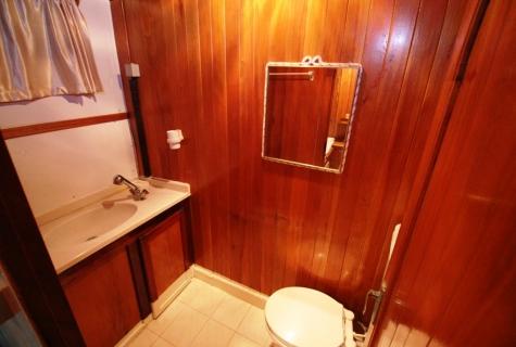 Tumer 1 toilet