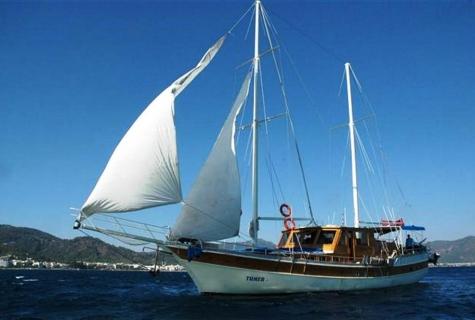 Tumer 1 sailing