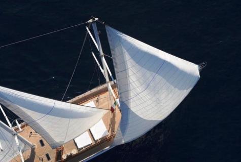 White Soul sails