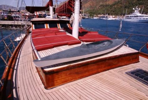 Yorgun 1 deck amenities