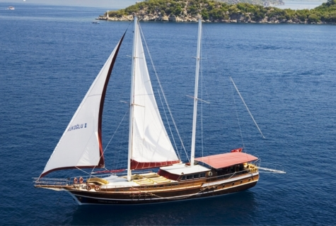 Yorukoglu 2 sailing