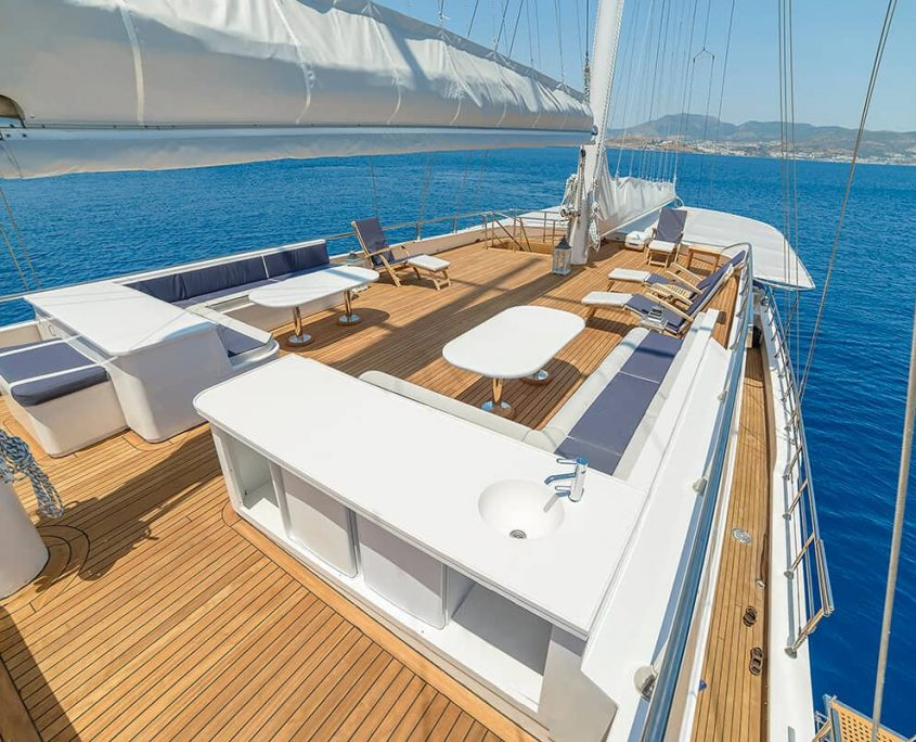 BELLA MARE Flybridge