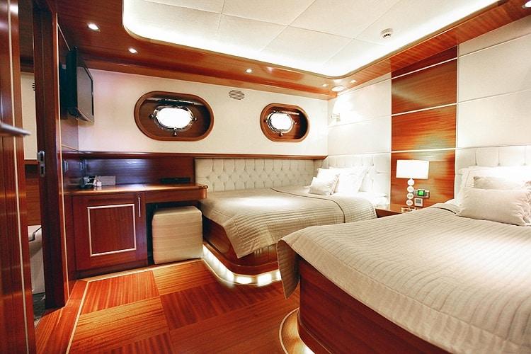 CARPE DIEM 4 Twin cabin