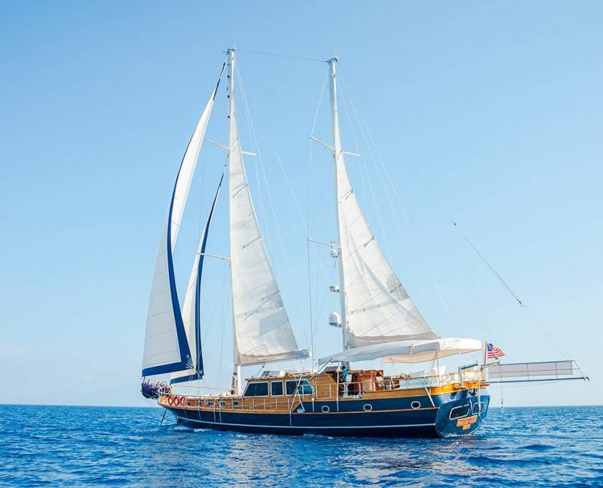 DEA DEL MARE Sailing