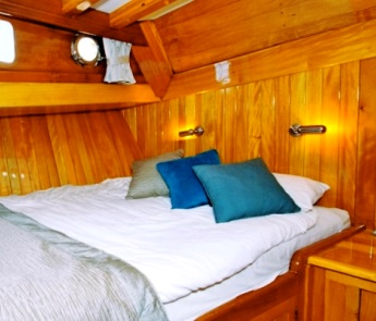Double cabin charter