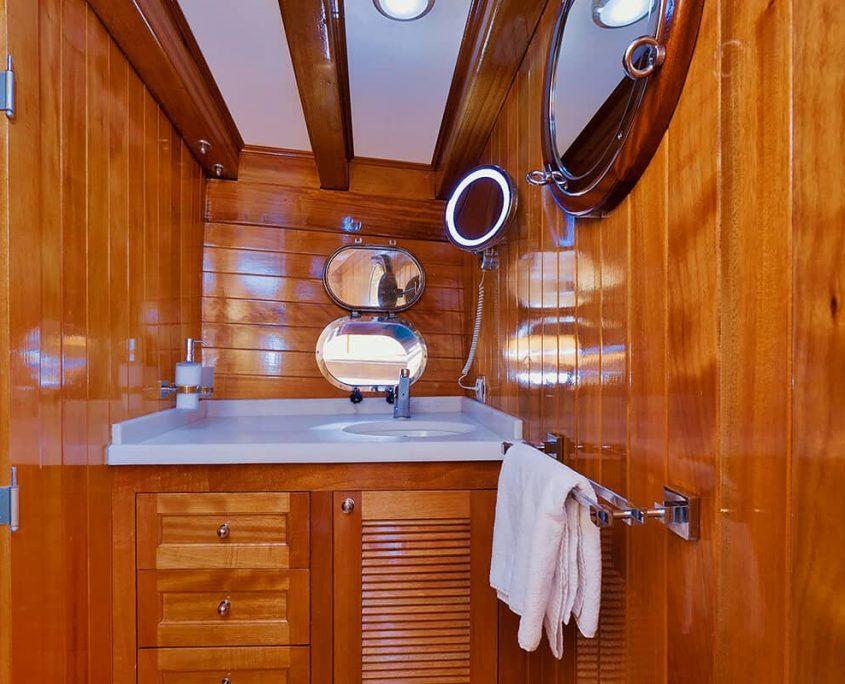 FLAS VII Bathroom