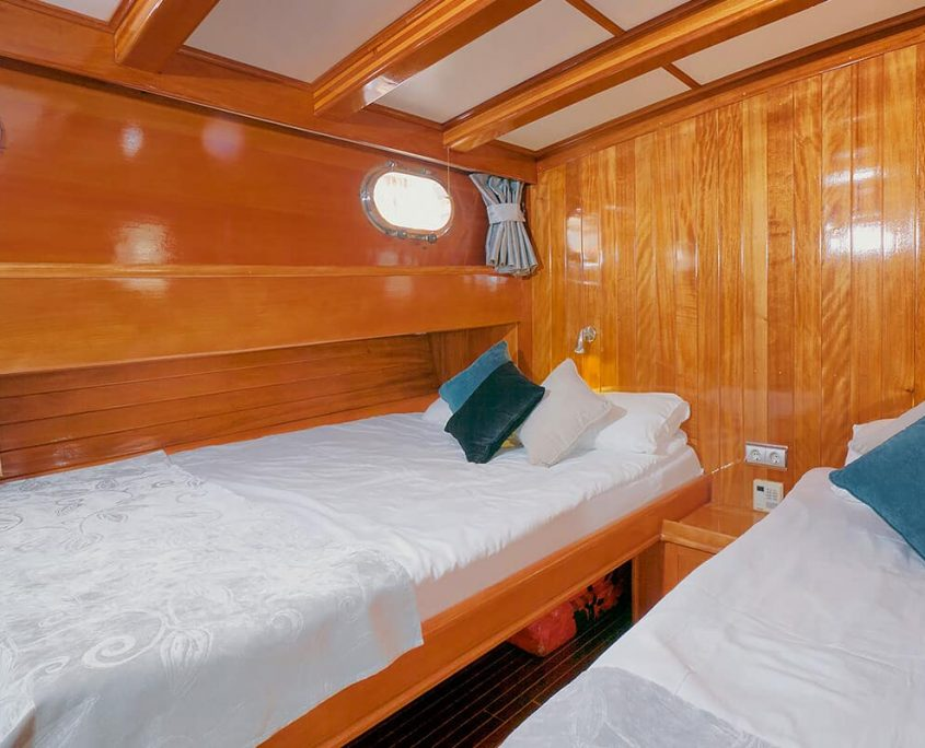 FLAS VII Twin Cabin